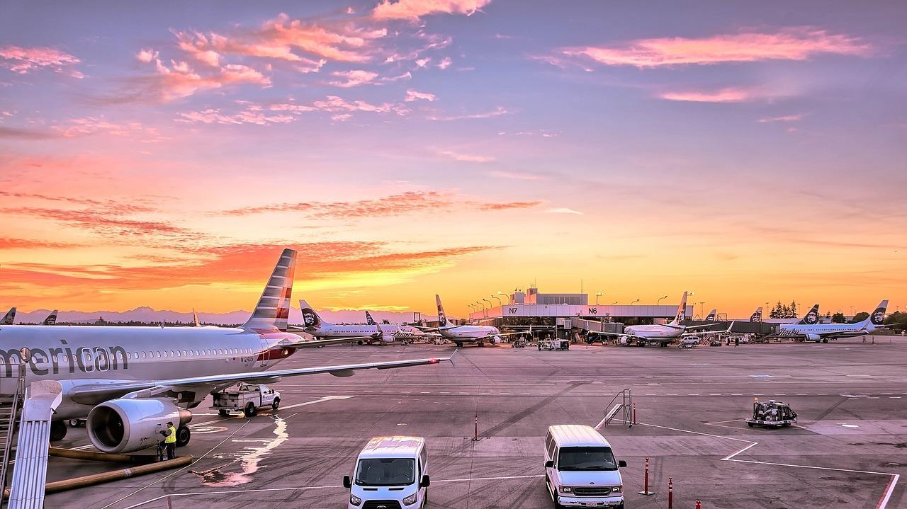 Zamiatarka przemysłowa do utrzymania porządku na płycie lotniska