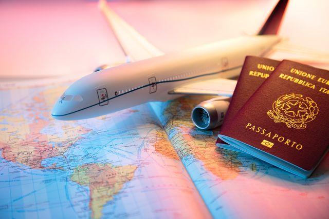 samolot i paszport