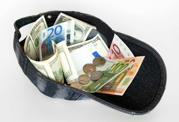 Wakacyjne rozterki czyli jak wymienić walutę?