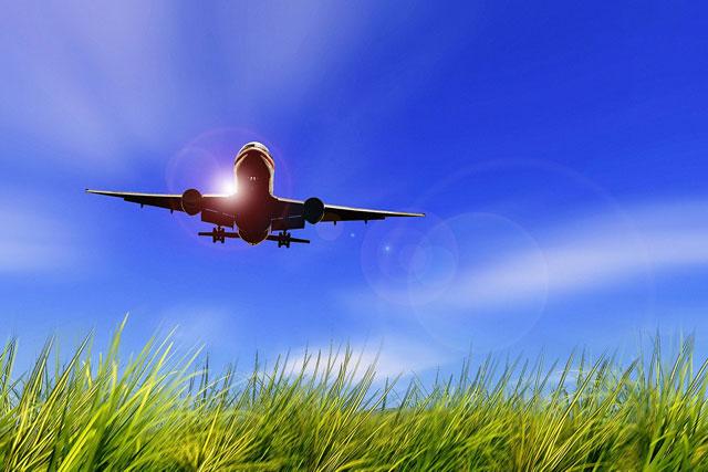 Loty czarterowe a loty rejsowe, w czym tkwi różnica?